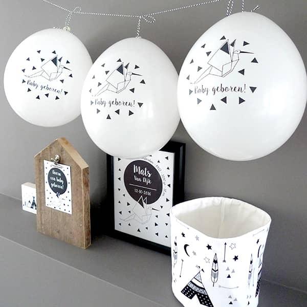 geboorteballonnen zwart wit mandje kaart accessoires babykamer hip huisje