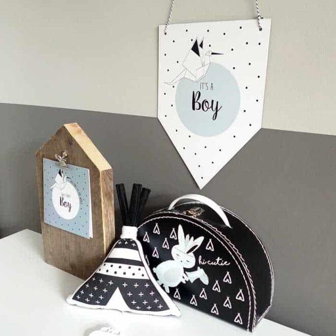 geboortevaantje muziekdoosje zwartwit blauw babykamer kinderkamer konijntje halfrond koffertje hiphuisje
