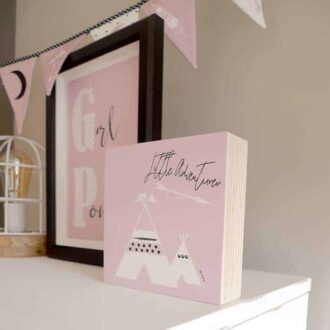 kinderkamer roze tipi accessoires babykamer vlaggenlijn hiphuisje 1