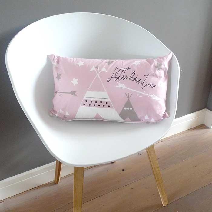 kussentje meisjeskamer babykamer roze tipi hiphuisje