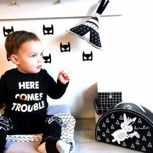 muziekdoosje tipi zwartwit konijntjeskoffer kinderkoffertje halfrond sfeerfoto