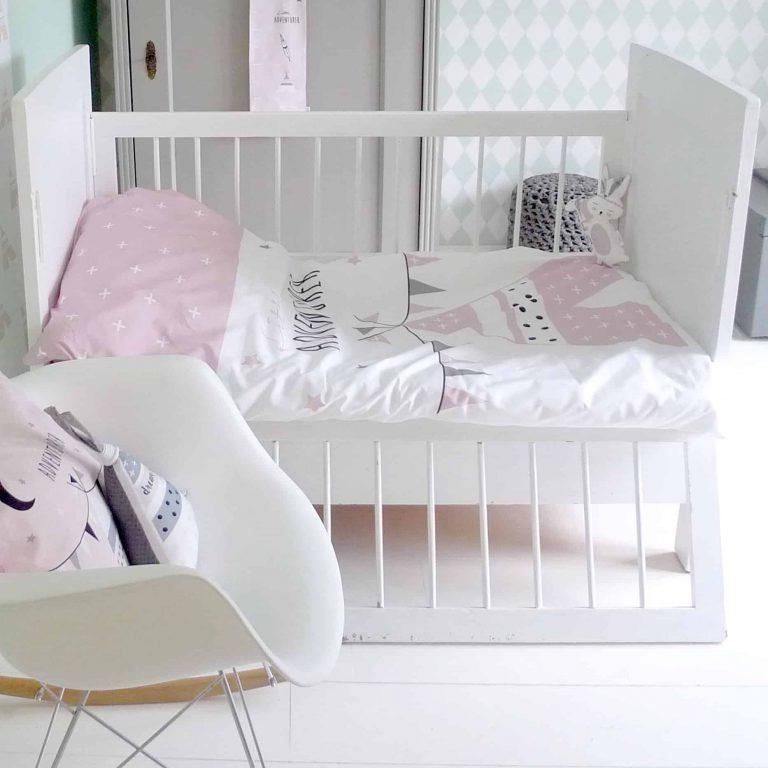 roze dekbedovertrek meisjeskamer peuterkamer junior hiphuisje