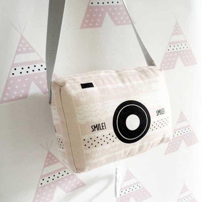 tipi behang roze muziekdoosje meisjeskamer kopie 1