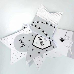 vlaggenlijn baby jongetje grijs superhero babykamer kraamcadeau kraamfeest babyshower hiphuisje
