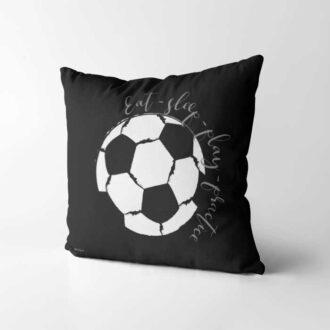 voetbal kussen zwart wit voorzijde voetbal kinderkamer hiphuisje