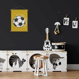 Voetbalposter voetbal textielposter oker voor een voetbal kamer