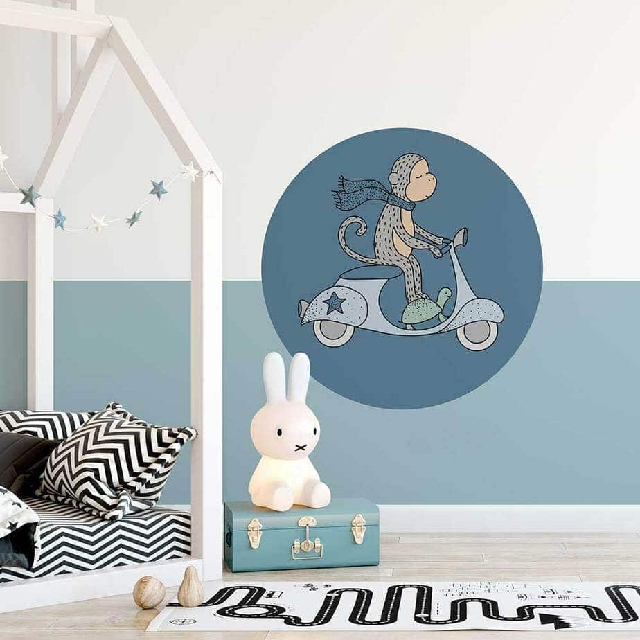 muursticker aap scooter jongenskamer blauw kinderkamer hiphuisje