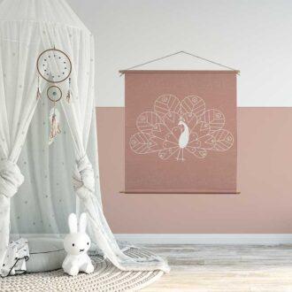 textielposter pauw XL sfeer kinderkamer hiphuisje