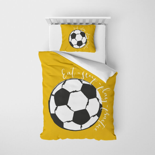 bovenzijde dekbedovertrek voetbal okergeel kinderkamer hiphuisje