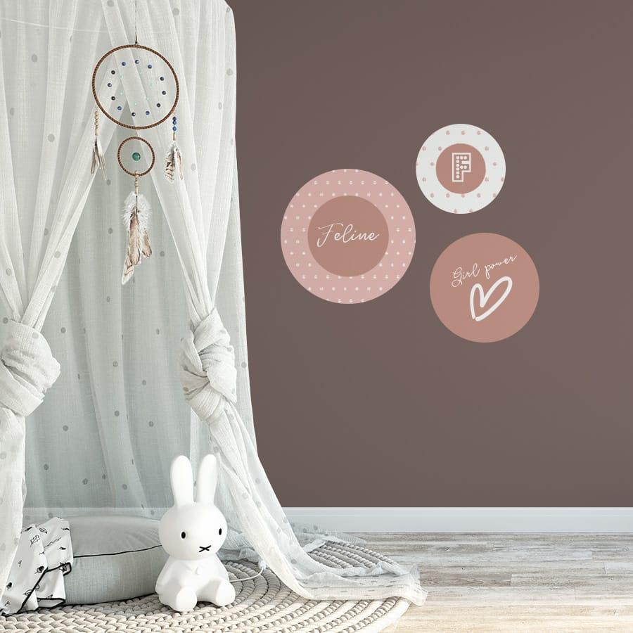 Muurcirkels voor een meisjeskamer met naam stip meisje hiphuisje