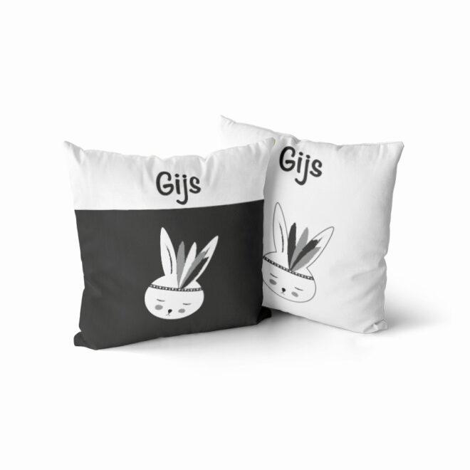 naamkussen met konijntje in zwart wit hiphuisje