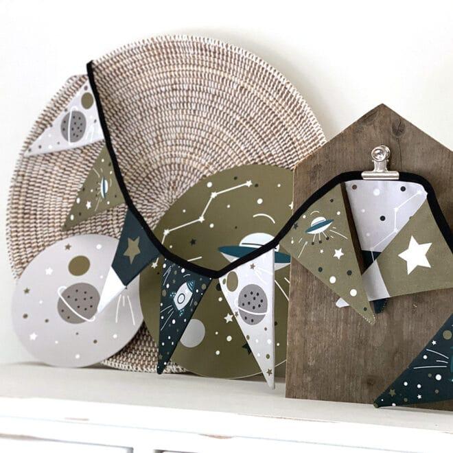 vlaggenlijn met ruimtevaart print voor de kinderkamer
